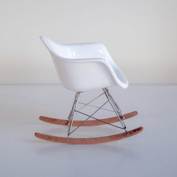 Mini Cadeiras Modernistas